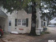 45 Red Ground Rd Old Westbury NY, 11568