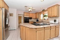 3 Hartsdale St Saint James NY, 11780