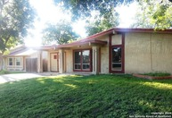 6831 Blue Lake Dr San Antonio TX, 78244