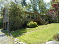107 Tranquility Ct Dingmans Ferry PA, 18328