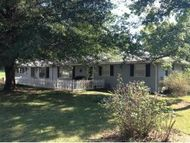 16732 Indian Road Carthage MO, 64836