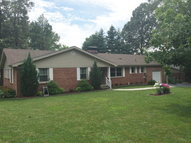 131 Country Club Lane Hopkinsville KY, 42240