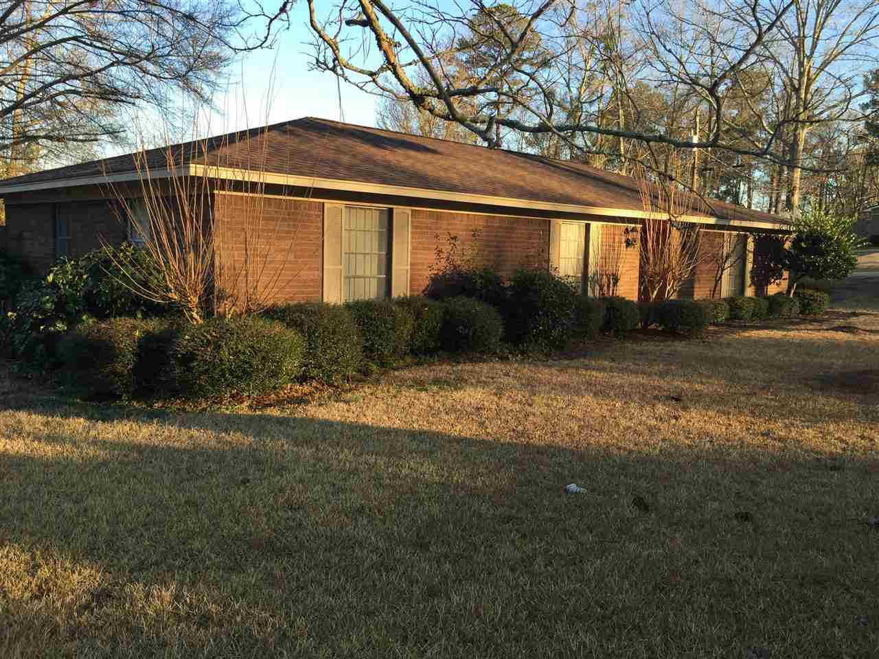 725 Se 2nd Ave Magee MS, 39111