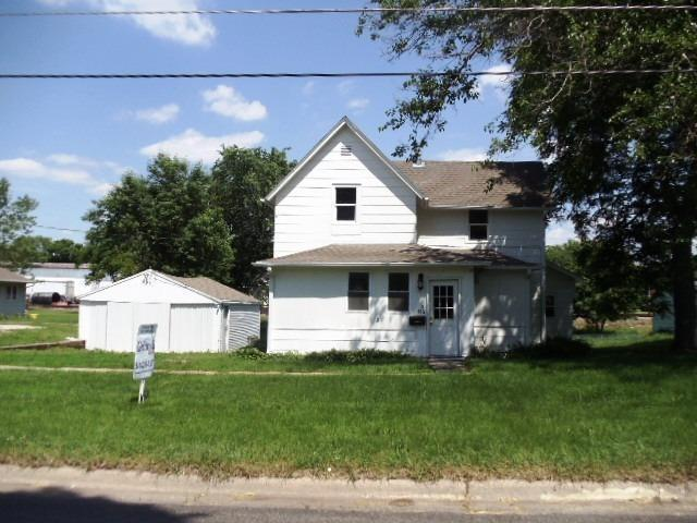 416 Park St Grinnell IA, 50112