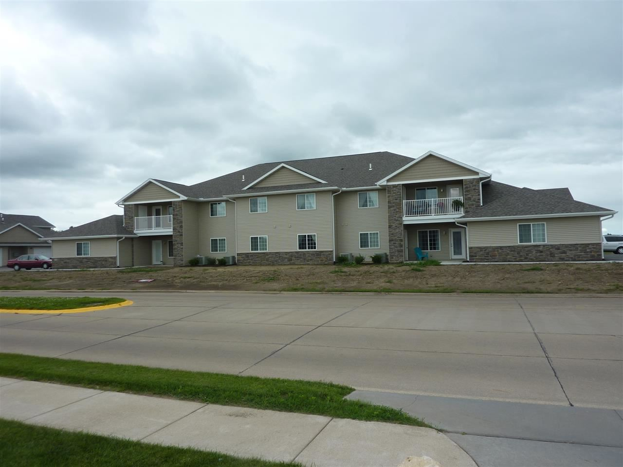 240 E Franklin Street Unit  203 Eldridge IA, 52748