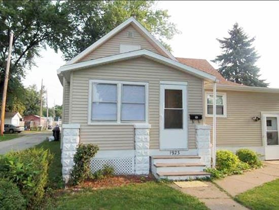 1923 9th Avenue East Moline IL, 61244